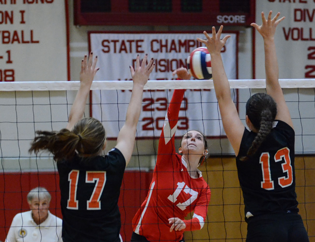 Barnstable Volleyball Oliver Ames Match