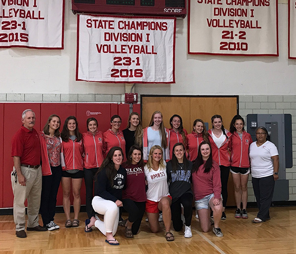 2016 Team Receiving Banner